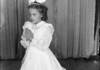 b_witaczynska_negatyw_001_komunie_dziewczynki_od_komuni_1957_007 (garwolin.org)