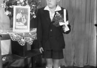 b_witaczynska_negatyw_002_komunie_chłopcy_od_komuni_1957_003 (garwolin.org)
